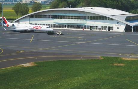 Aéroport de Caen-Carpiquet : photo 3